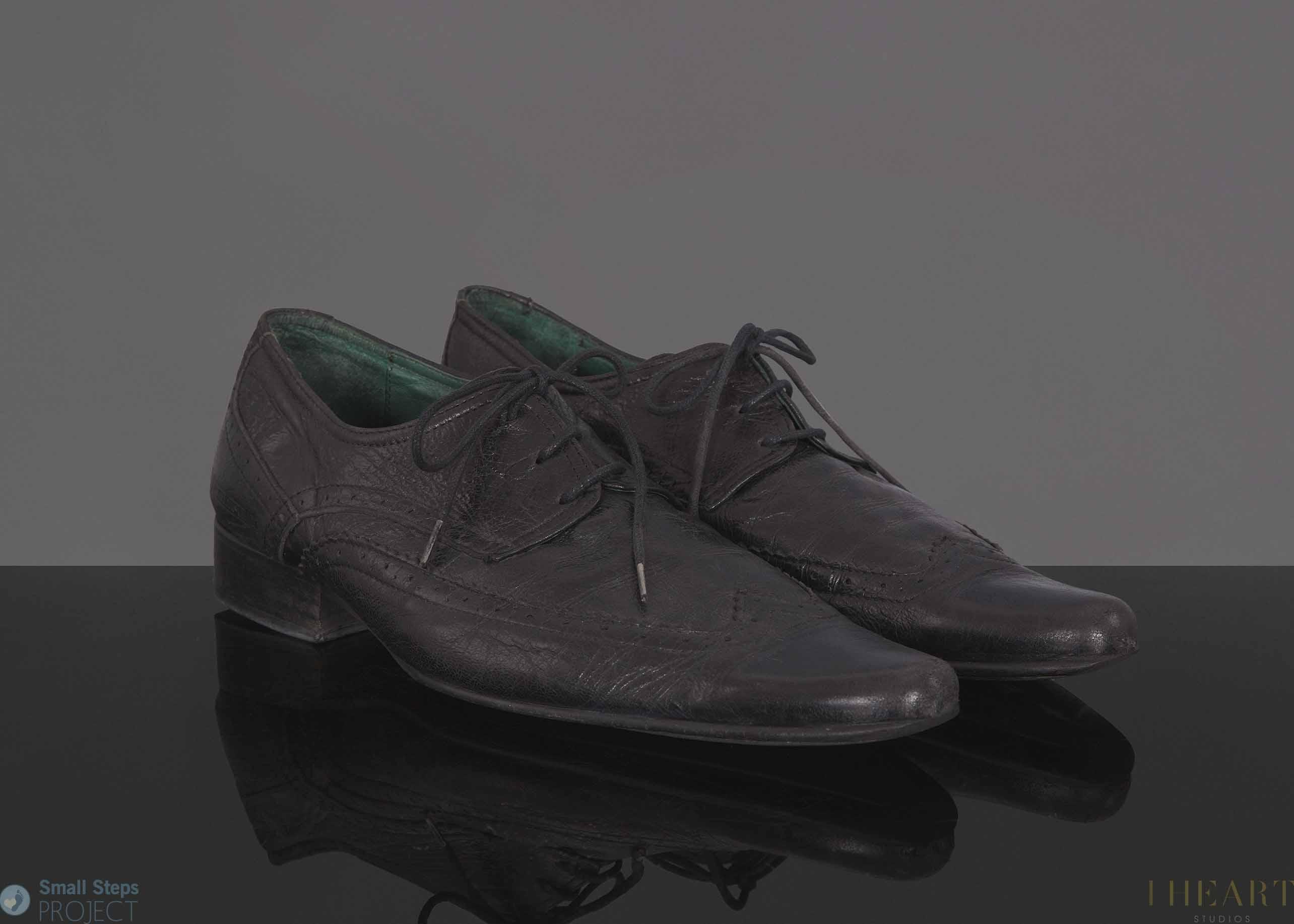 Howard Marks' 2013 shoe donation